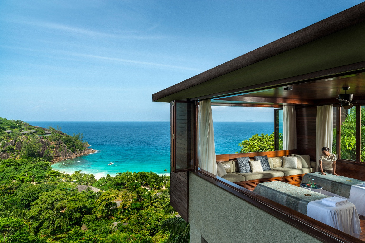 four seasons resort seychelles mah i genuss touren. Black Bedroom Furniture Sets. Home Design Ideas