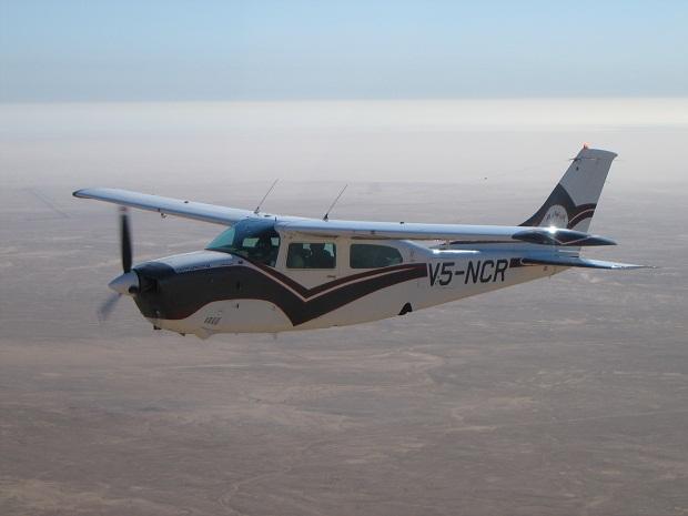 Cesnas werden für Flugsafaris und Rundflüge in Namibia genutzt