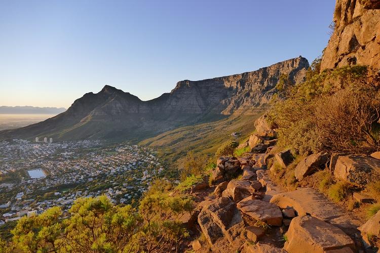 Tafelberg in Kapstadt in der Morgensonne