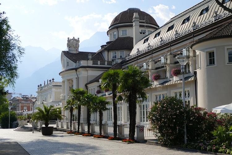 meran-kurpromenade-und-kurhaus