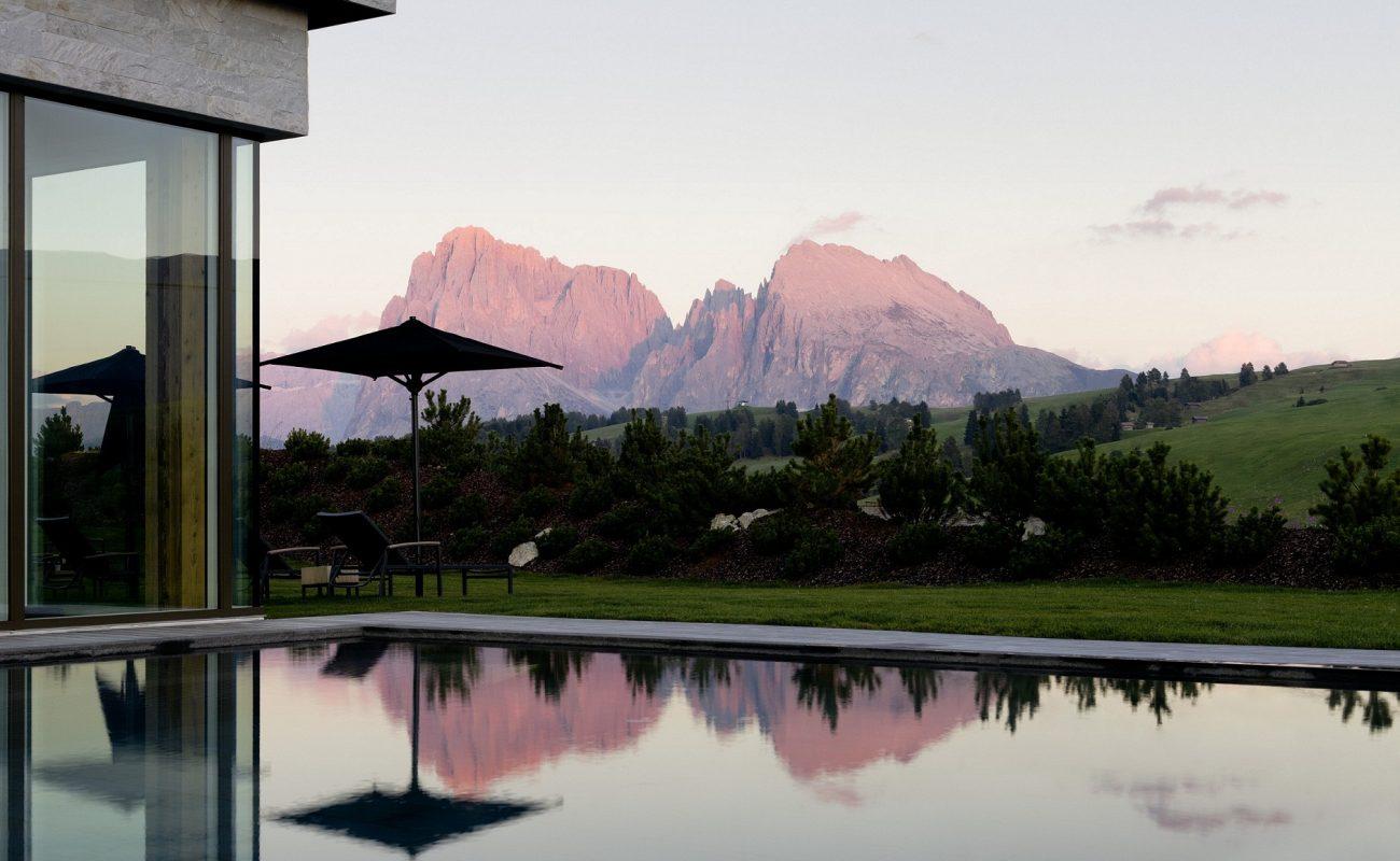 Buchen Sie das Luxushotel auf der Seiser Alm mit Ihrem Reiseveranstalter Genuss Touren