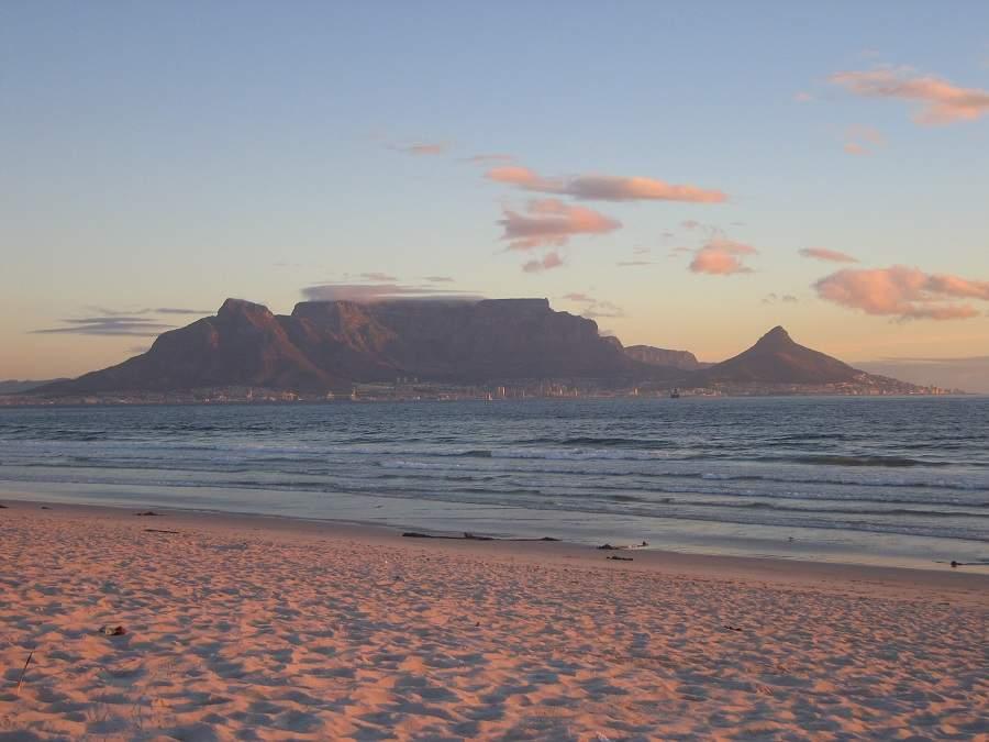 Blick vom Bloubergstrand auf den Tafelberg