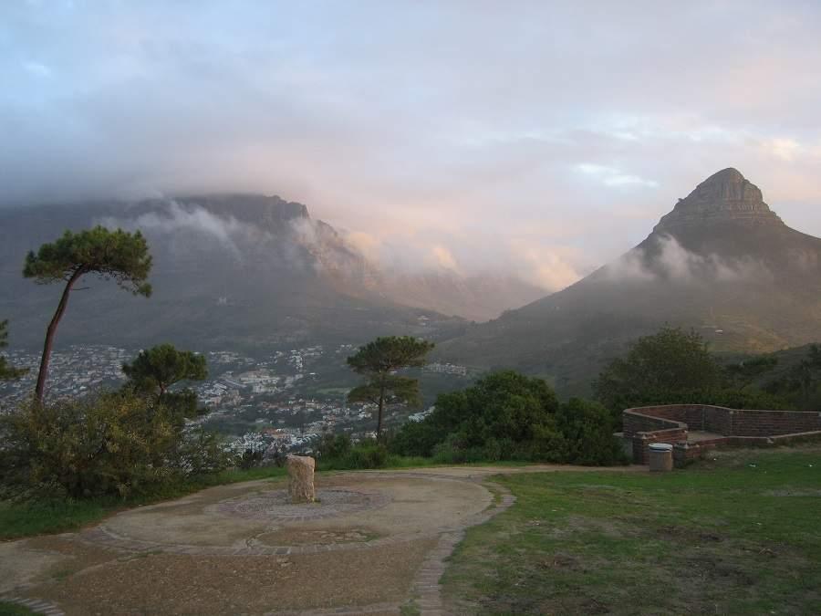 Signal Hill mit Blick auf Lions Head und Tafelberg