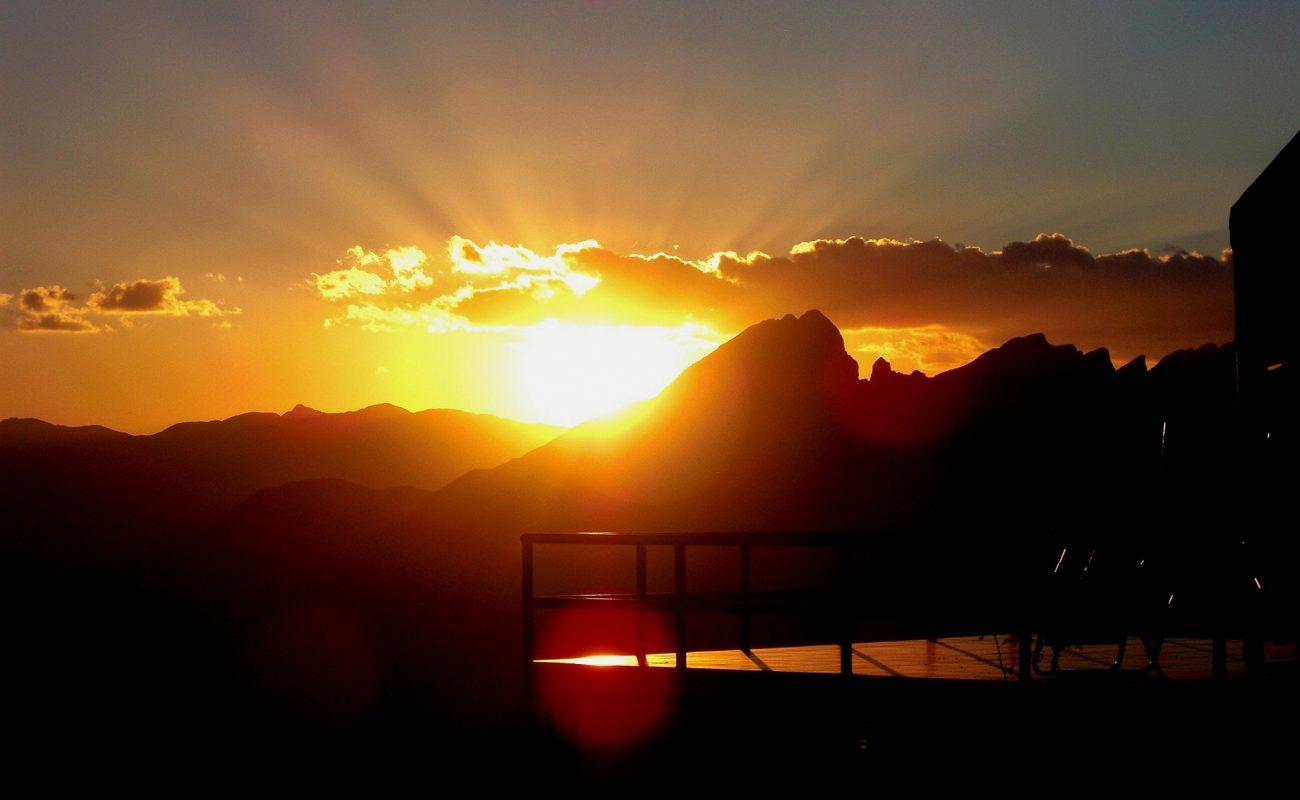 Sonnenaufgang im Hadschar Gebirge