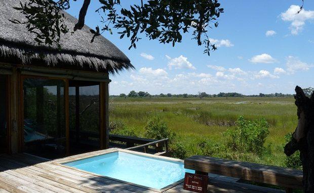 Elefanten kommen ganz nah zu den exklusiven Suiten von Vumbura