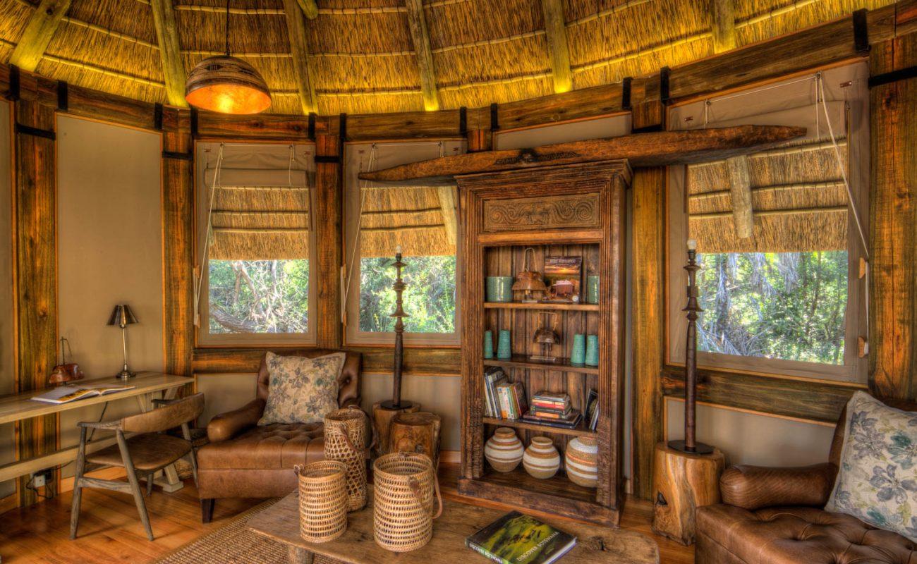 Eine der zwei Lounges im Camp Okavango