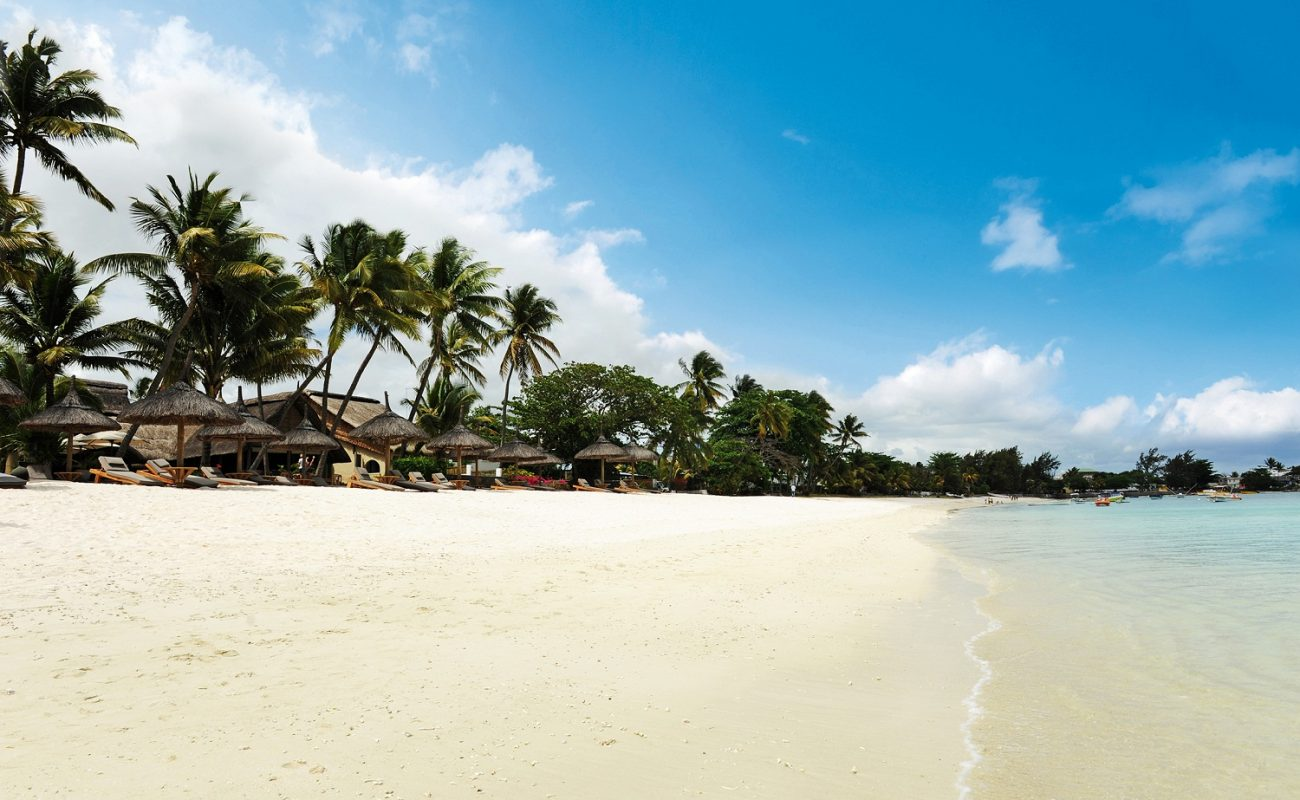 Strand vor dem Sakoa Hotel auf Mauritius