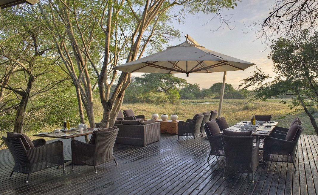 Deck der Luxuslodge Phinda Forest
