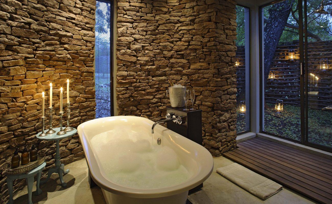 Zuka Lodge: Badezimmer einer Cottage