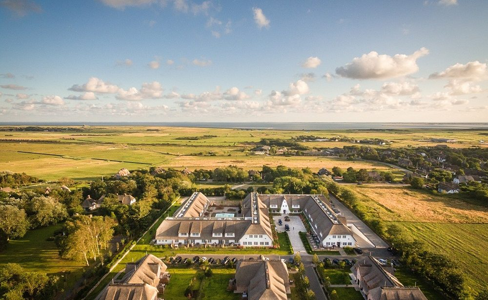 Gesamtansicht des Luxushotels Severin's Resort & Spa Sylt