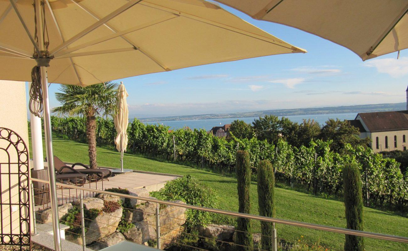 Terrasse der Villa Seeschau mit herrlichem Blick
