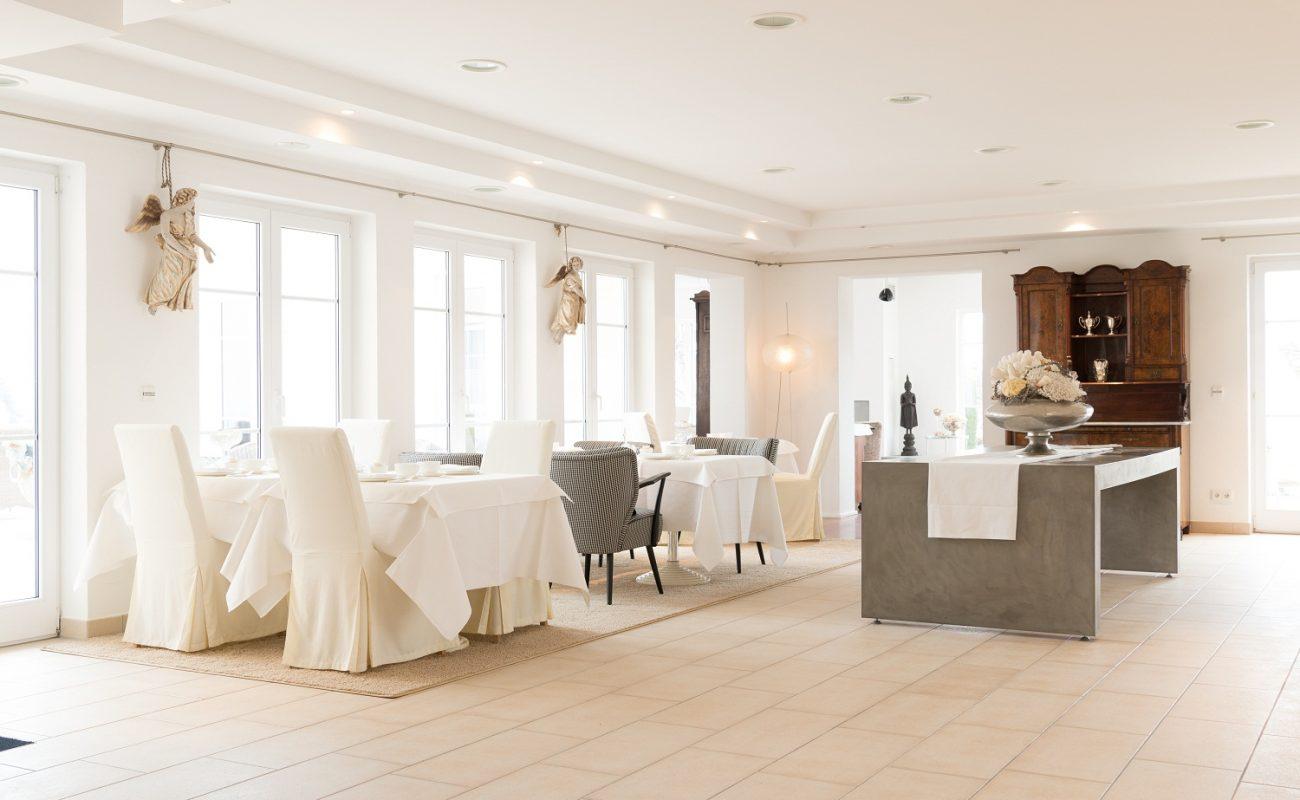 Lobby und Frühstücksraum der Villa Seeschau