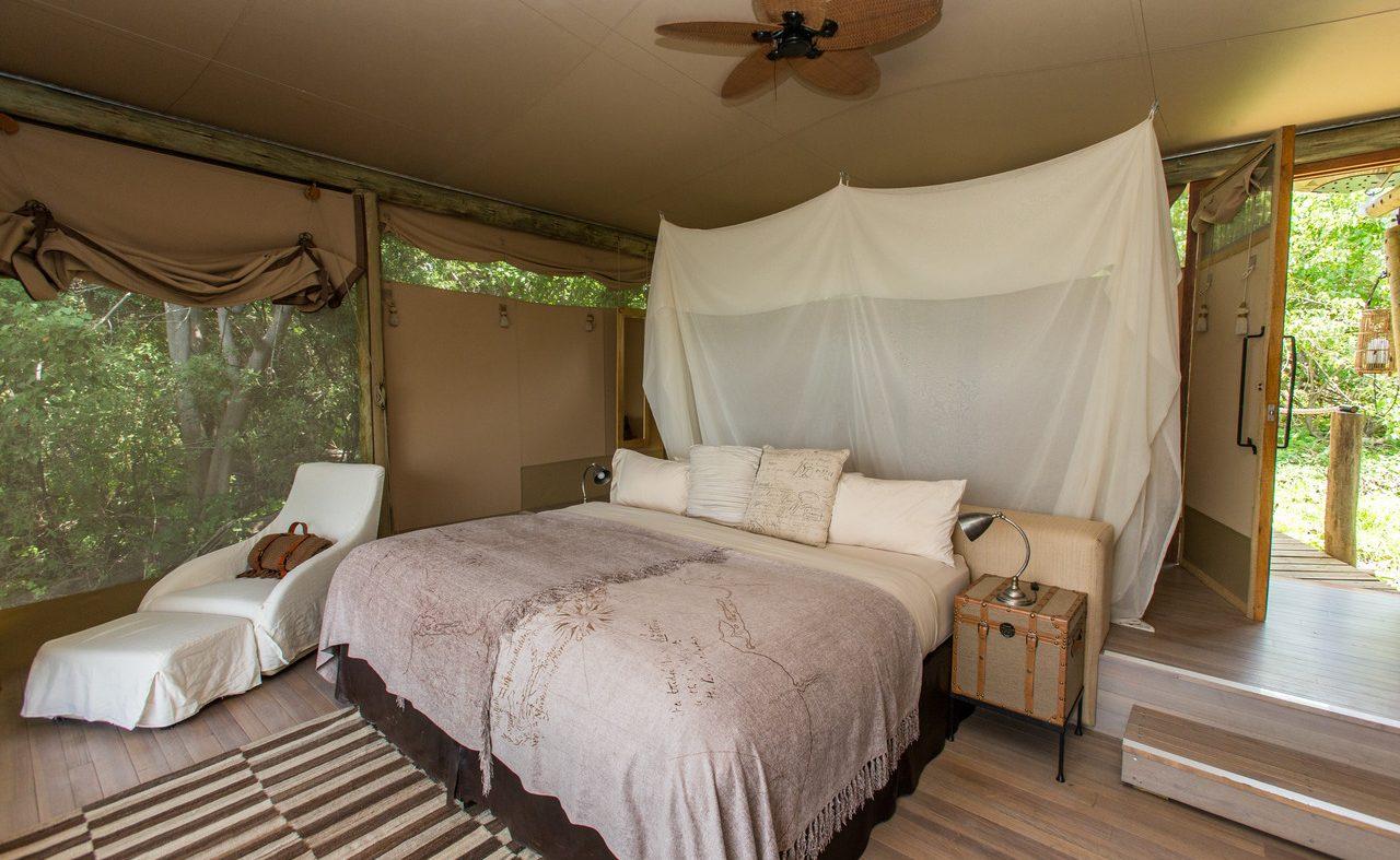 Ein luftiges Zelt in Duma Tau, C. Culbert