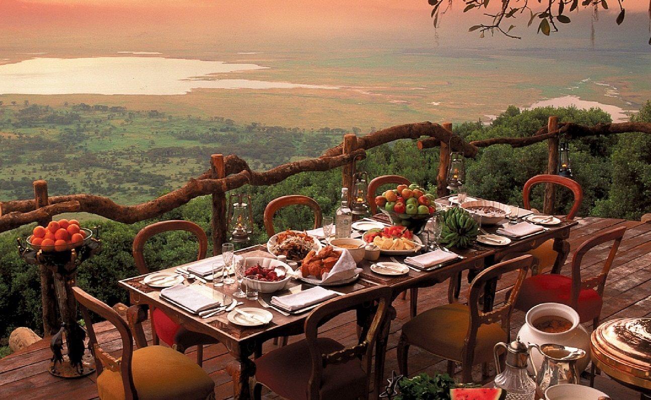 Ngorongoro Crater Lodge - eines der Highlight der Flugsafari mit And Beyond