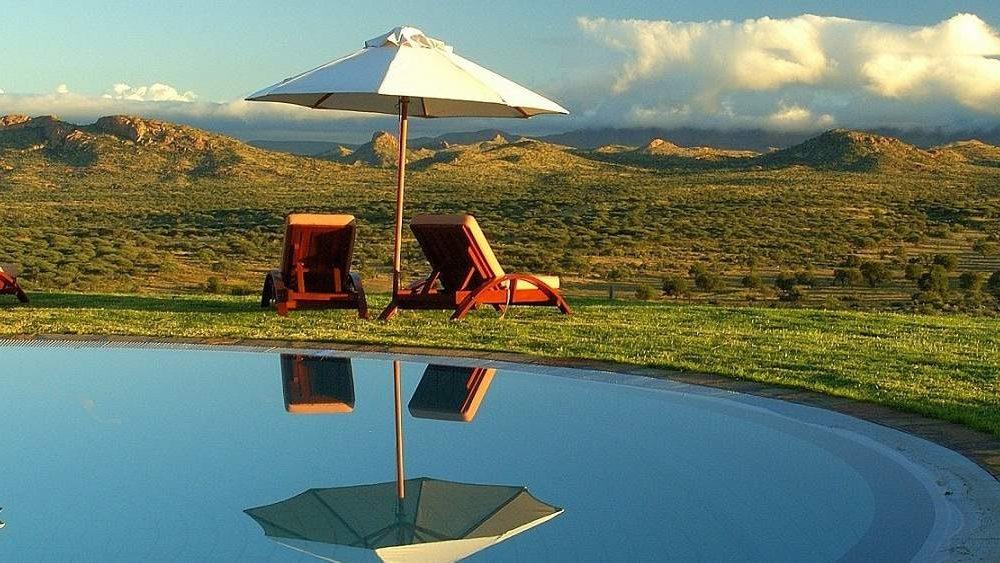 Buchen Sie die Luxuslodge Goche Ganas Namibia bei Ihrem Reiseveranstalter Genuss Touren