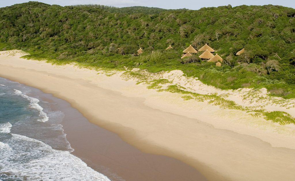 Der herrliche Strand an der Küste von KwaZulu Natal