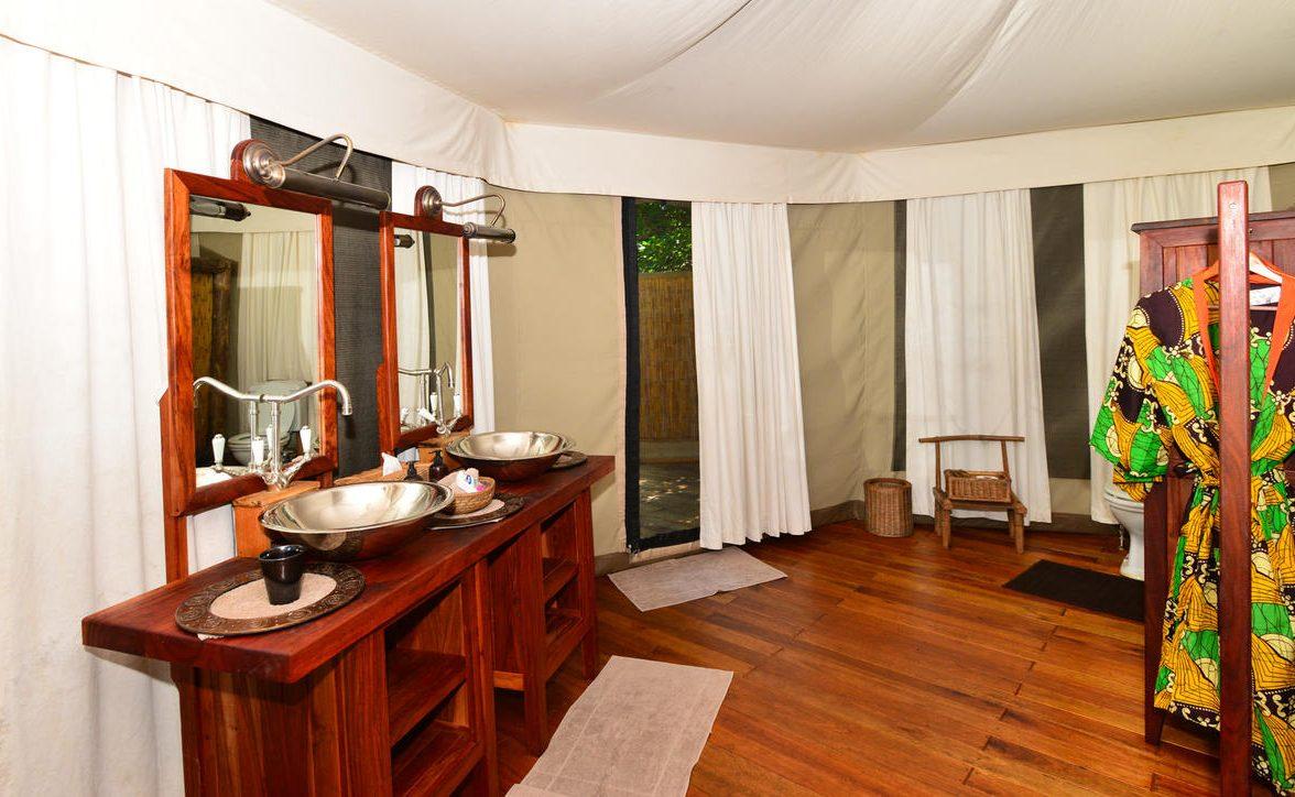 Badezimmer im Kanga Camp