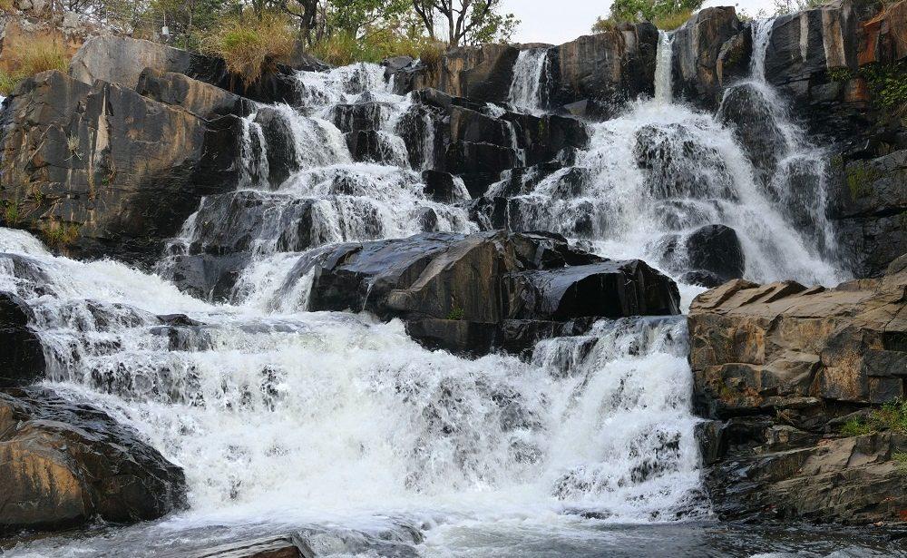 Nyangombe Falls in den Eastern Highlands