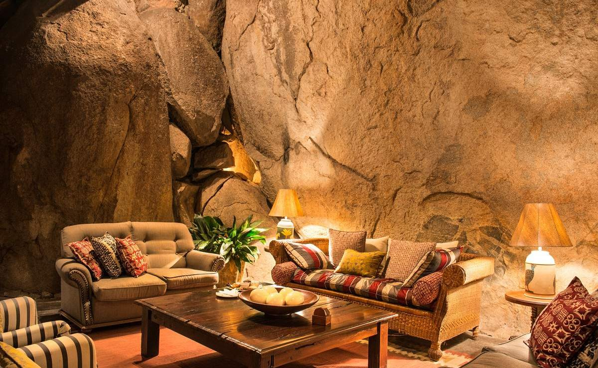 Lounge des Luxuslodge im Matobo Nationalpark