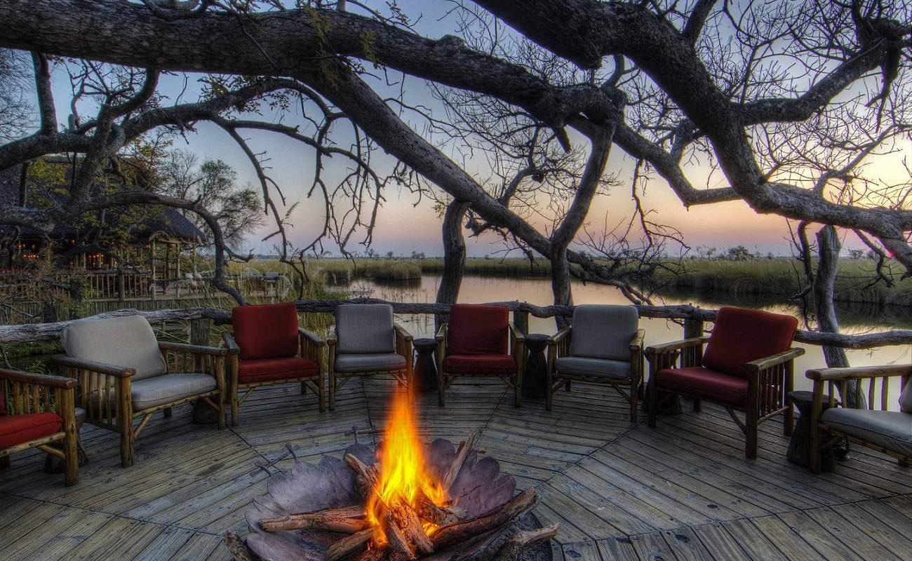 Ein typischer Abschluss einer Botswana Safari - ein Abend am Lagerfeuer