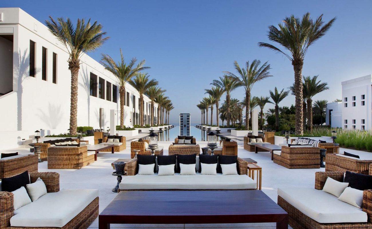 Eleganz und Luxus am Pool des The Chedi
