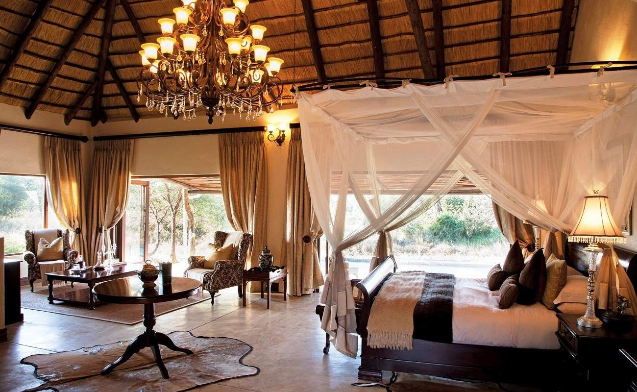 Honeymoon Suite im Luxuscamp im Timbavati Gebiet