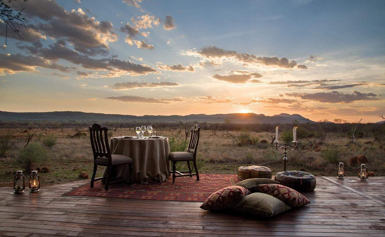 Abendessen auf der Veranda der Suite