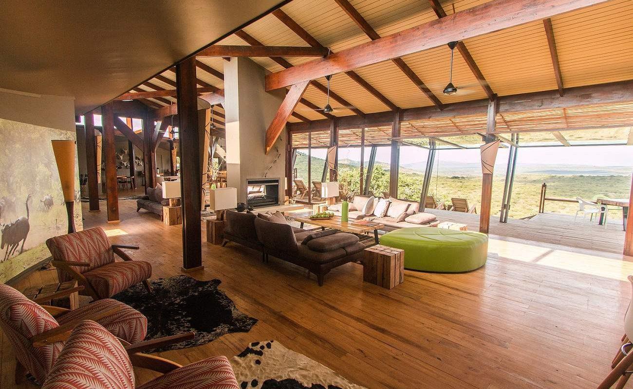 Haupthaus mit Lounge und Veranda