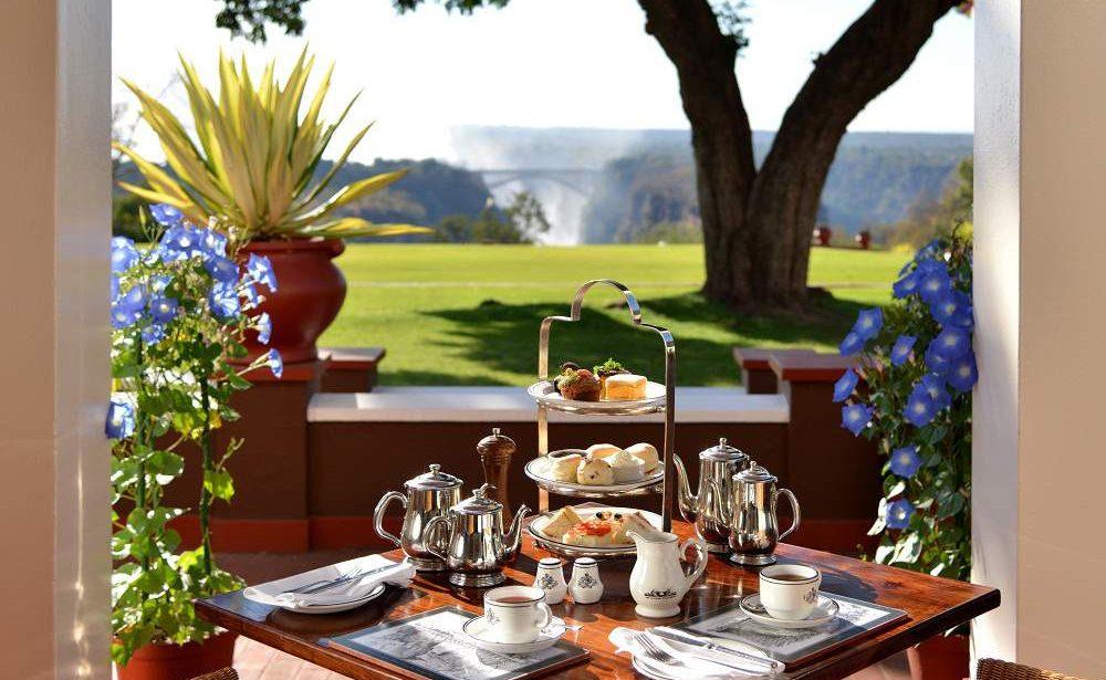 Nachmittagstee im Victoria Falls Hotel in Simbabwe