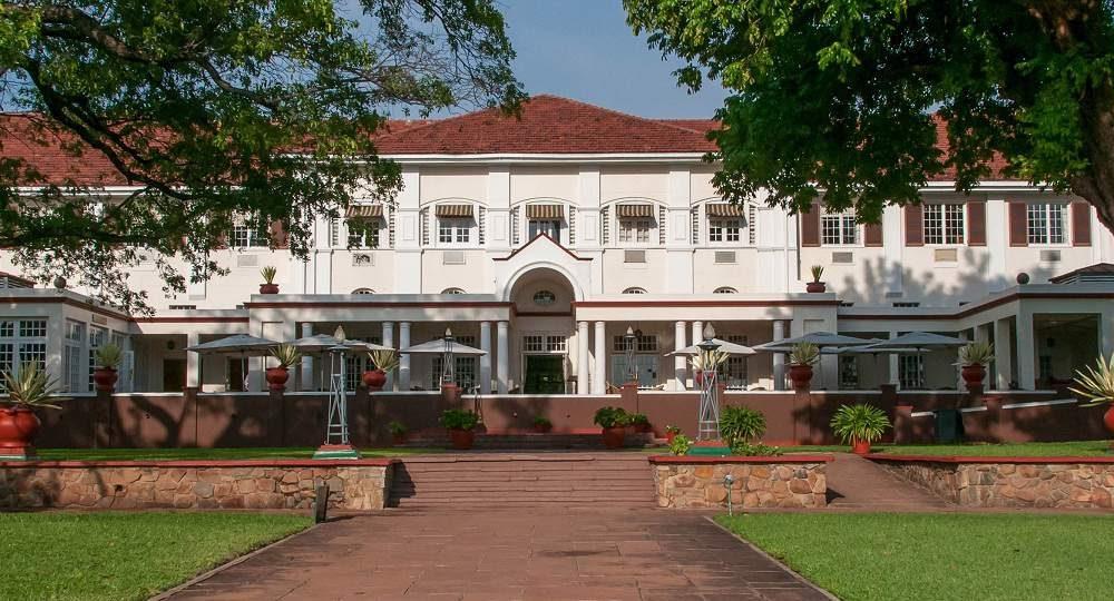 Buchen Sie das Victoria Falls Hotel mit Afrika Spezialist Genuss Touren
