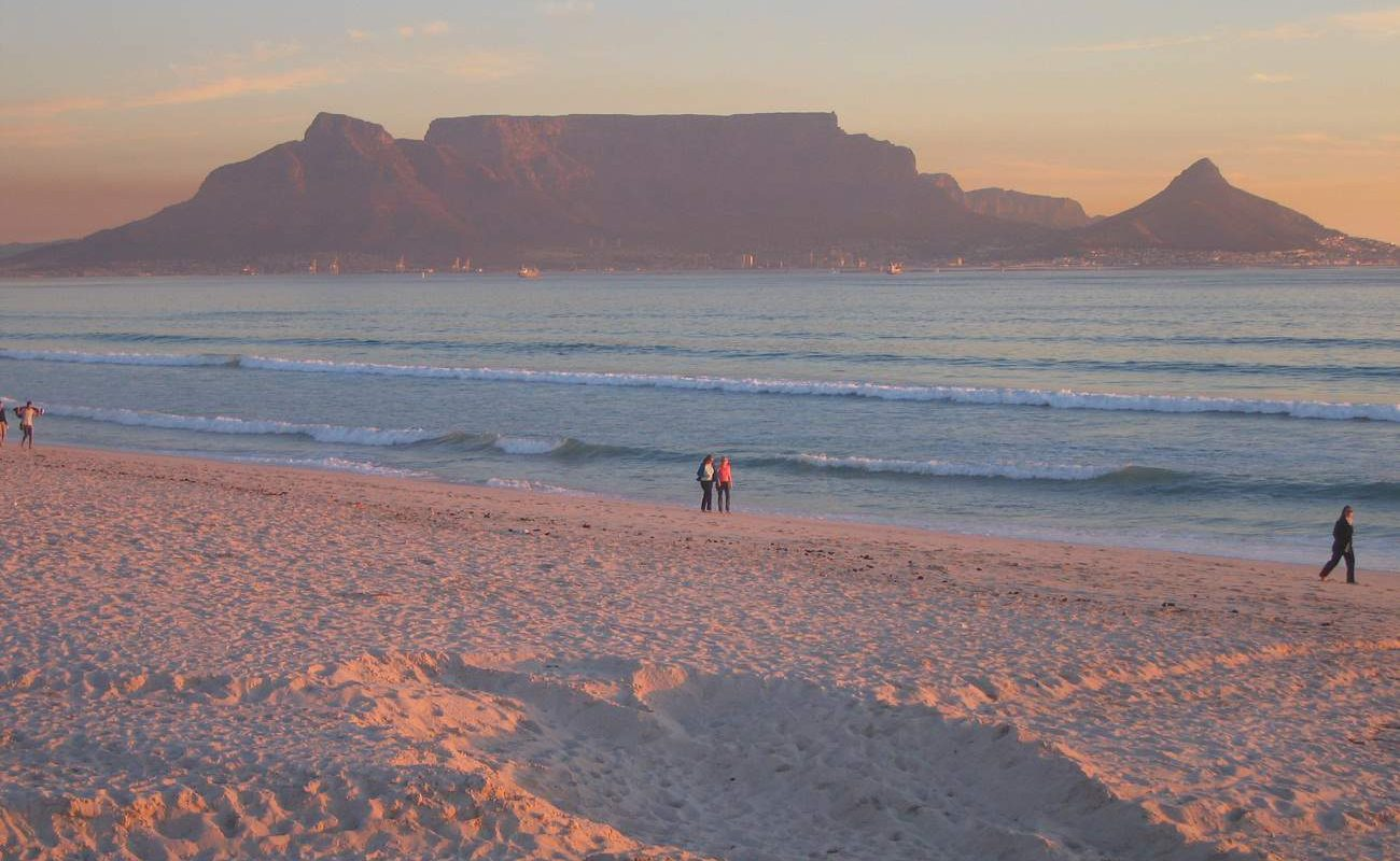 Tafelberg vom Bloubergstrand aus gesehen