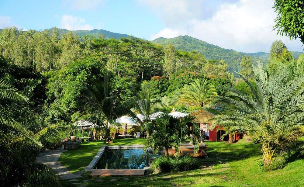Tropischer Garten und Pool des Lakaz Chamarel