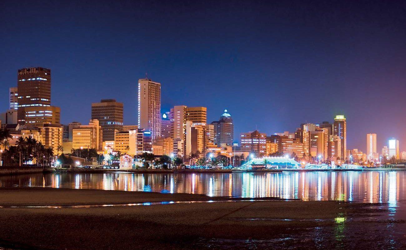Nächtliche Skyline von Durban