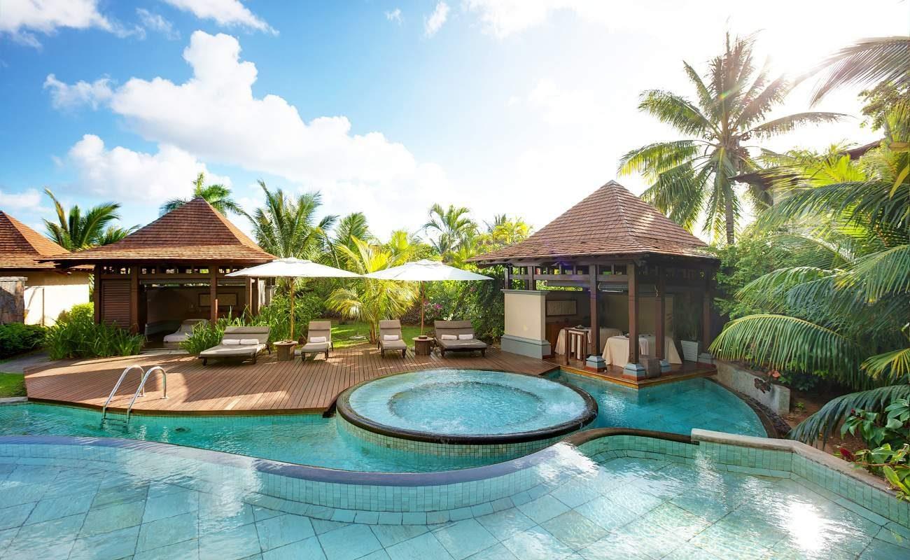 Palm Hotel Reunion Restaurant