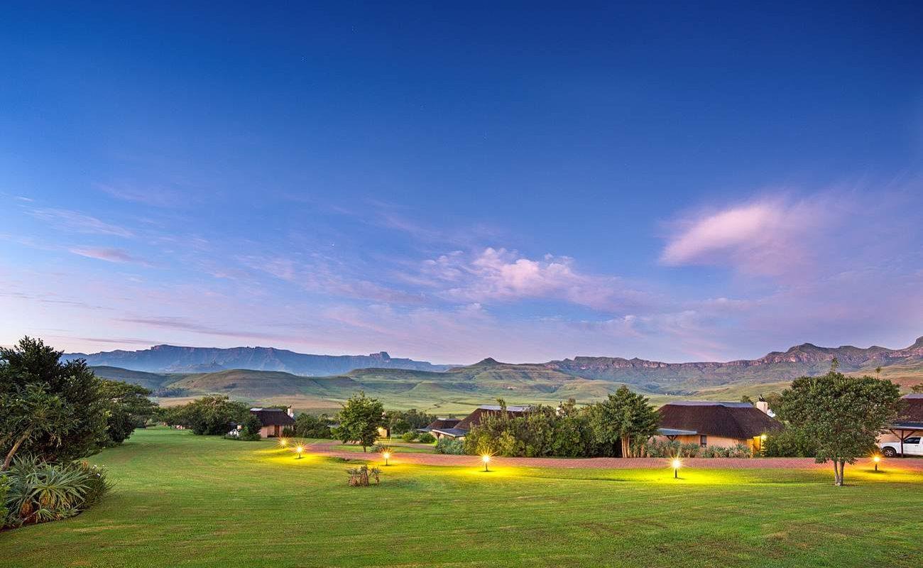 Blick auf das Amphietheater der Drakensberge von der Montusi Mountain Lodge