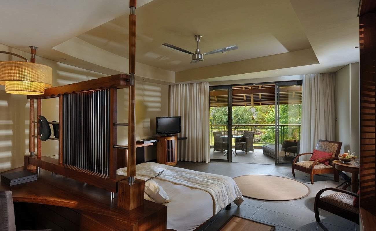 Tropical Junior Suiten haben eine Außendusche