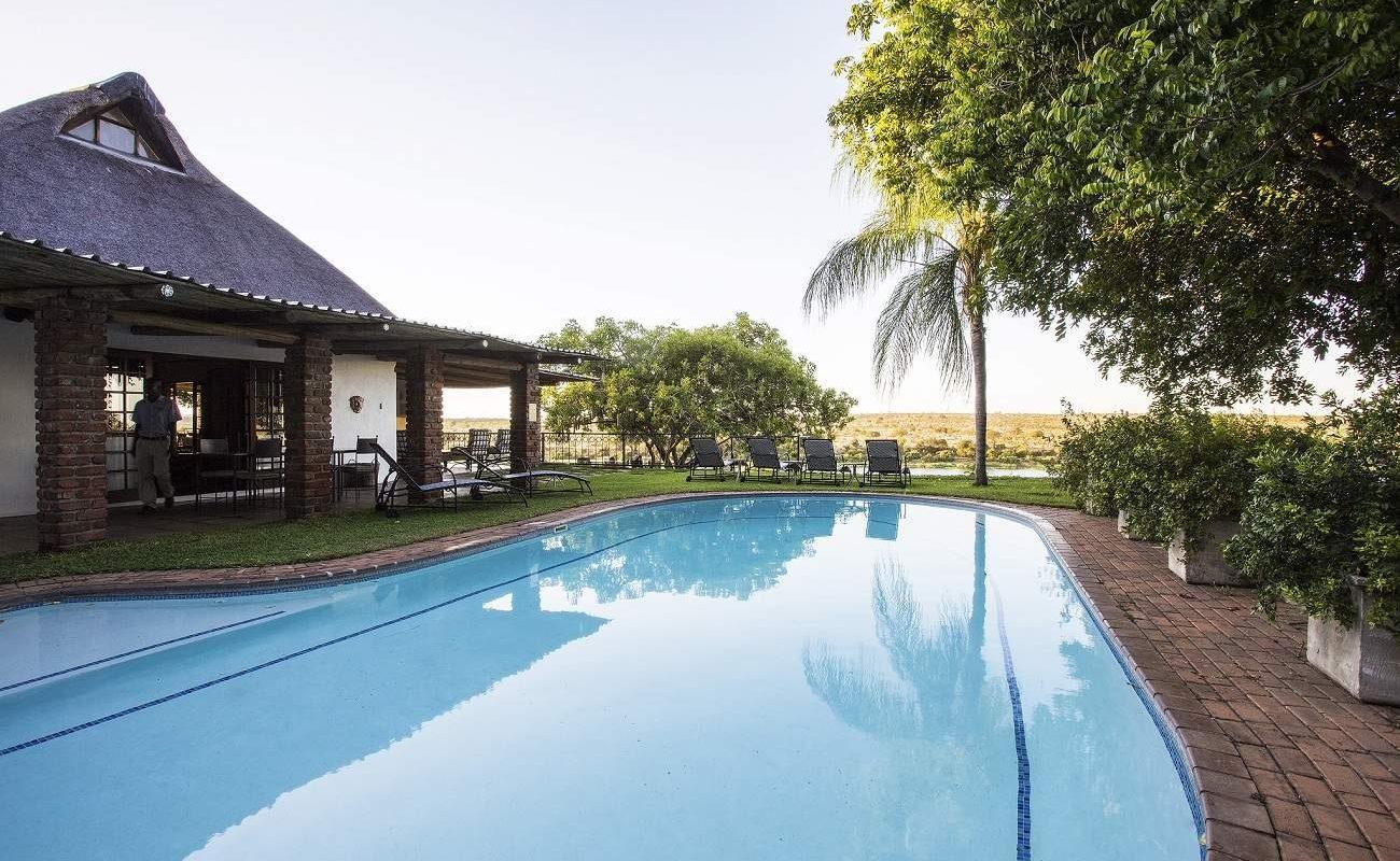 Pool der Buhala Lodge