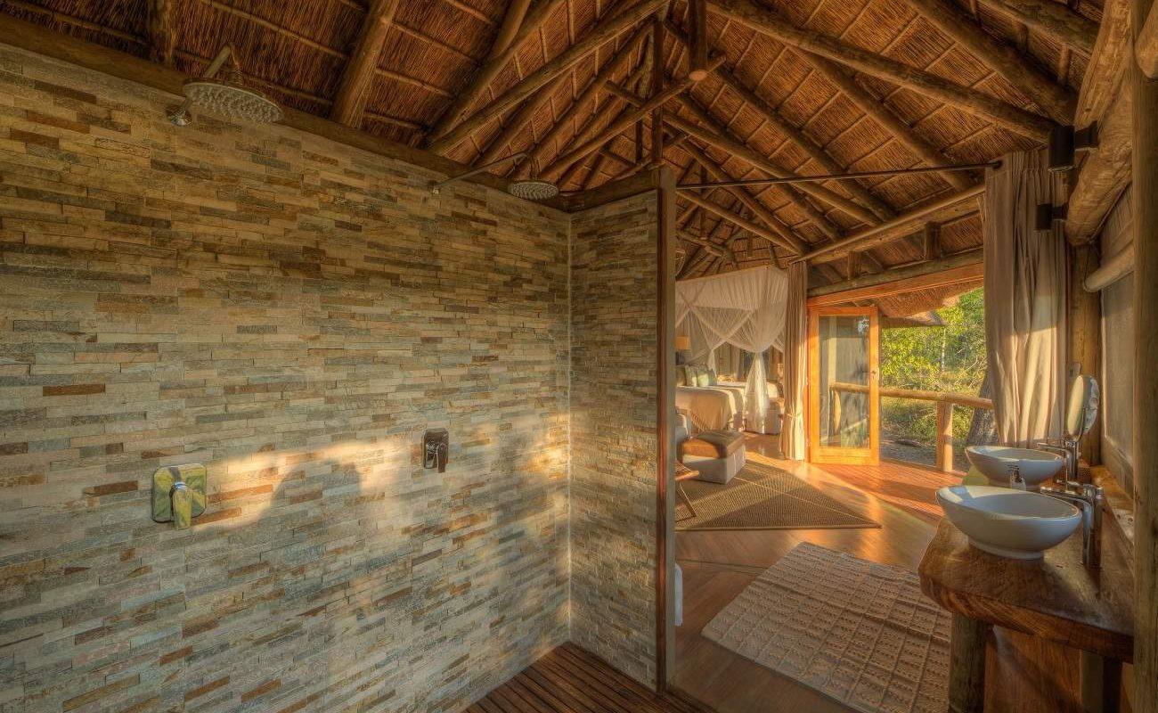 Badezimmer im Camp Moremi