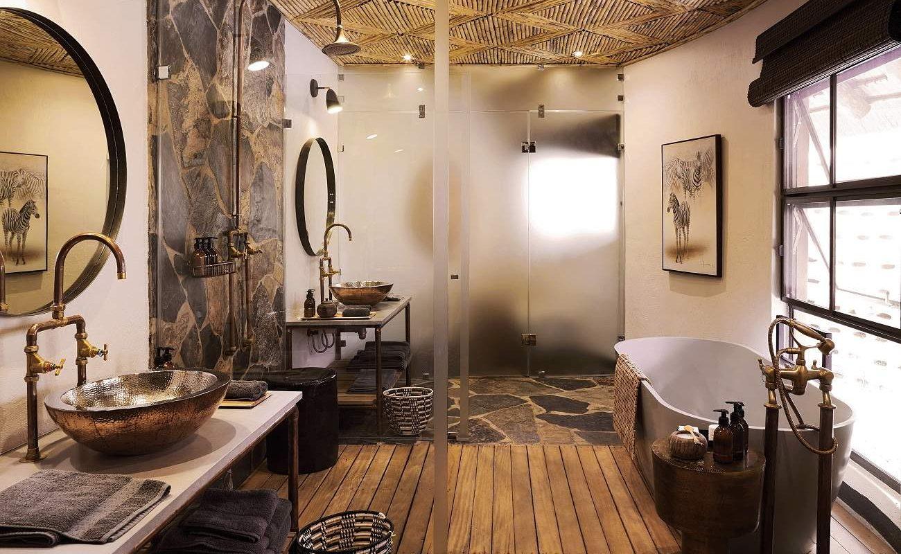 Badezimmer eine Suite im MalaMala Sable Camp
