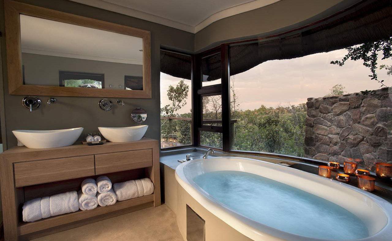 Badezimmer der Executive Suite in Mhondoro