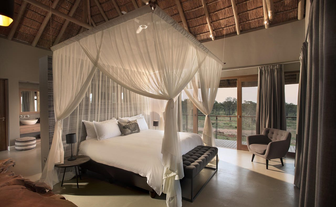 Mhondoro Villa Masterbedroom