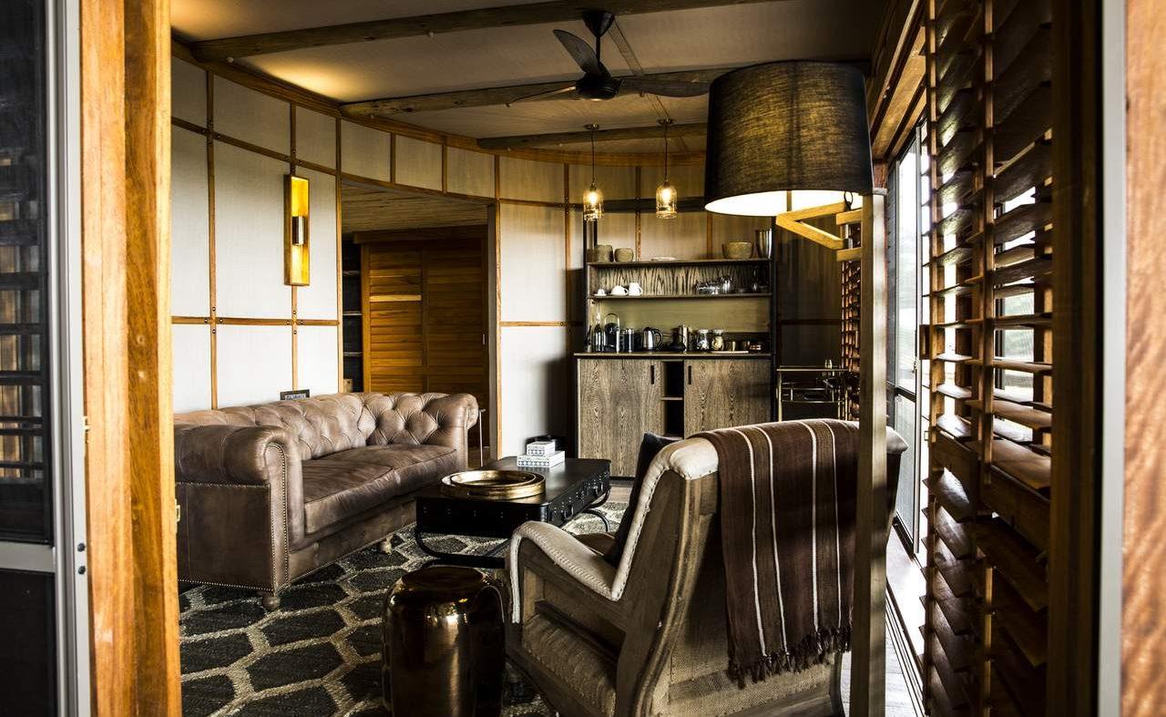 Lounge der Zeltsuite von Mombo