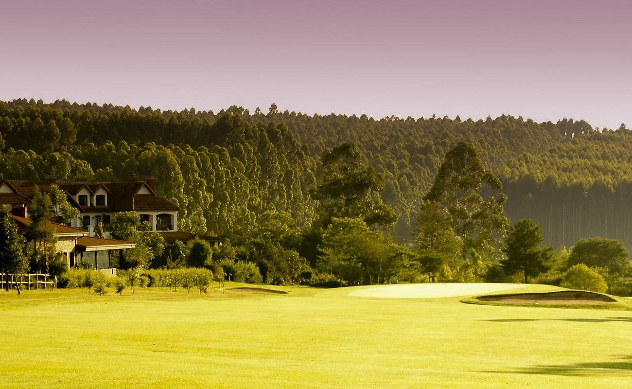 Blick vom White River Golf Course auf Oliver's Restaurant
