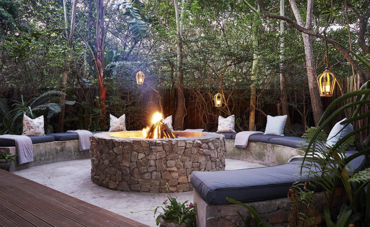 Stimmungsvolle Boma der Prana Lodge