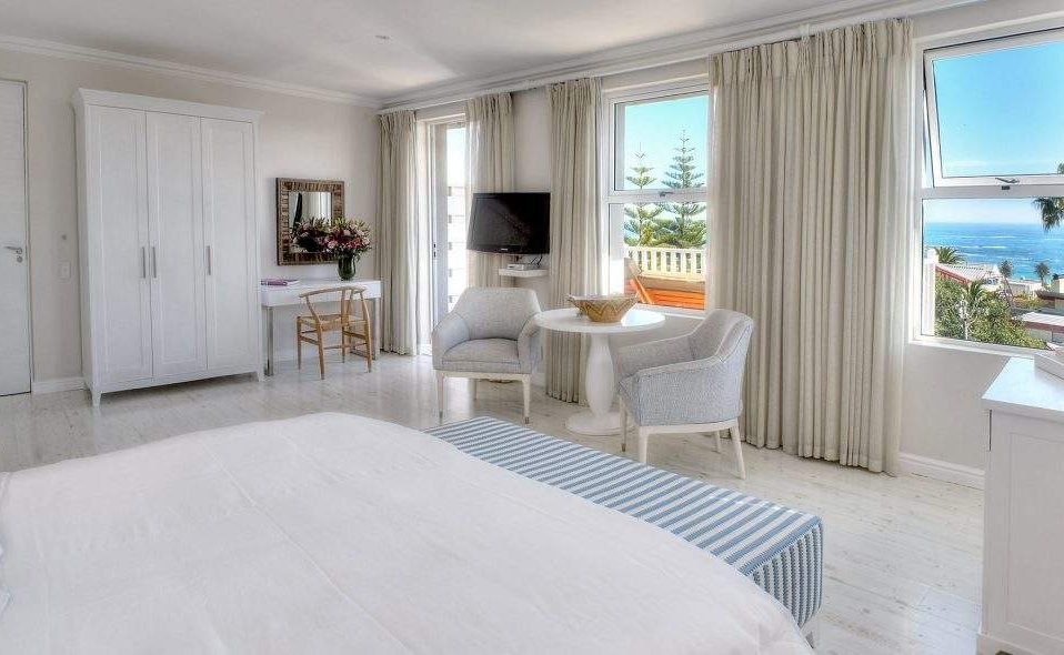 Ocean Junior Suite Sea Five Camps Bay