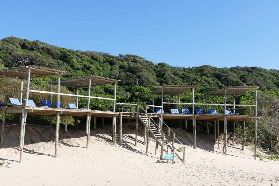 Sonnendeck der Thonga Beach Lodge