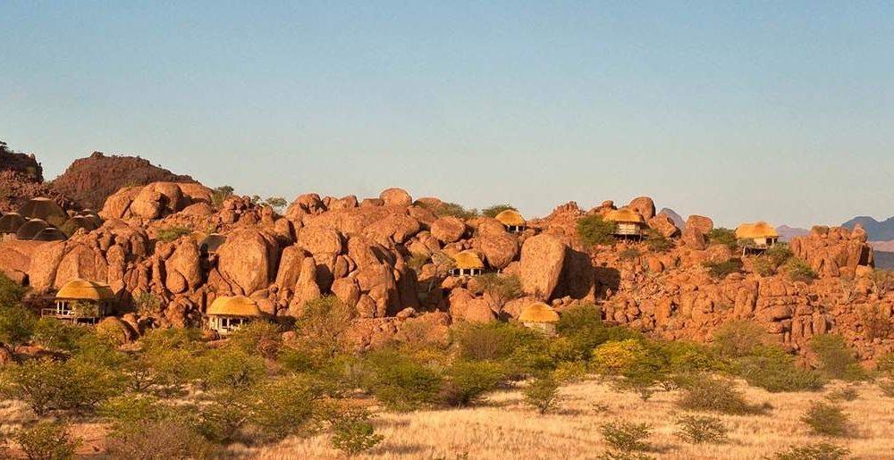 Buchen SIe das Mowani Mountain Camp mit Namibia Spezialist Genuss Touren