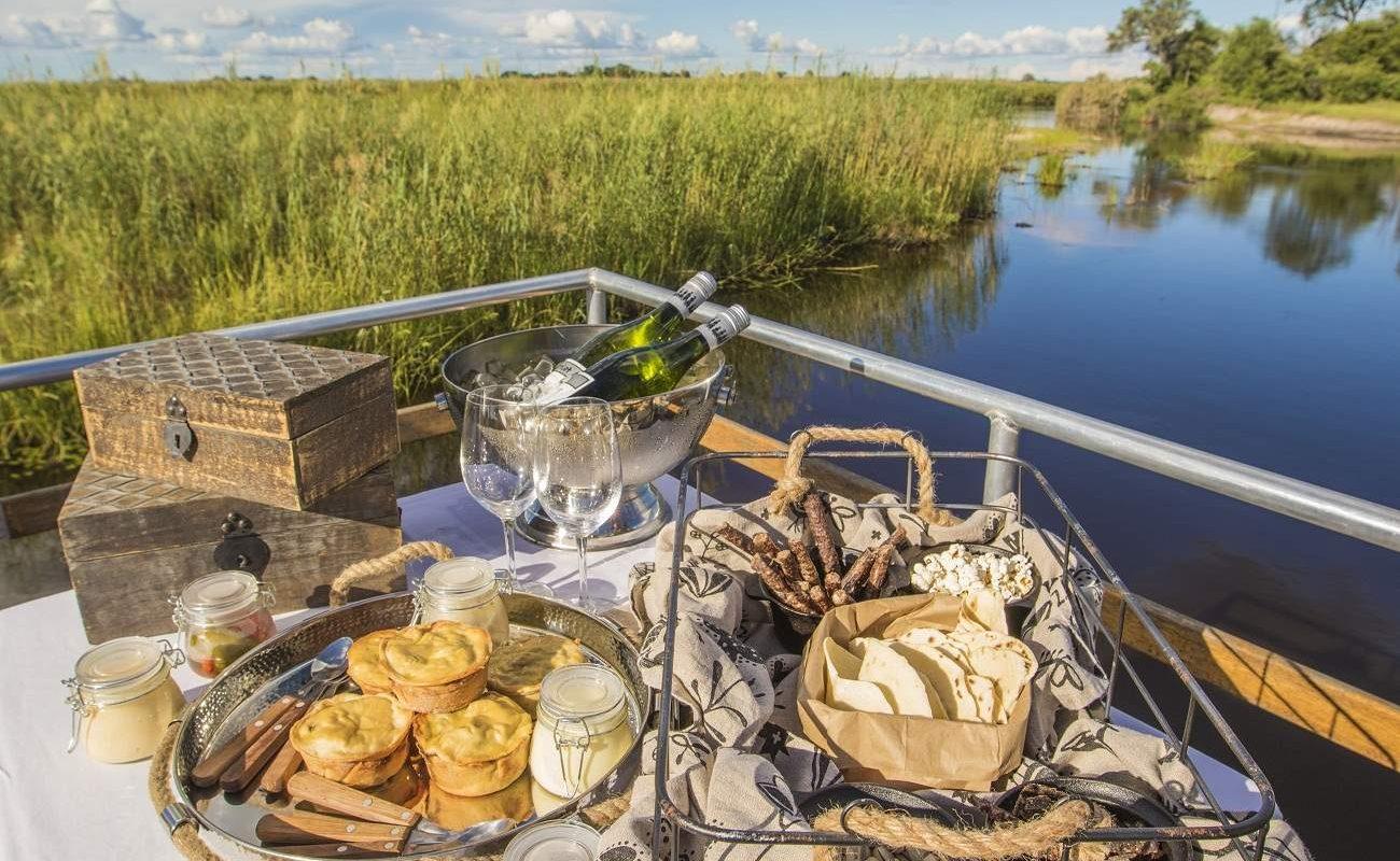 Sundowner auf einer Bootstour ab Nambwa