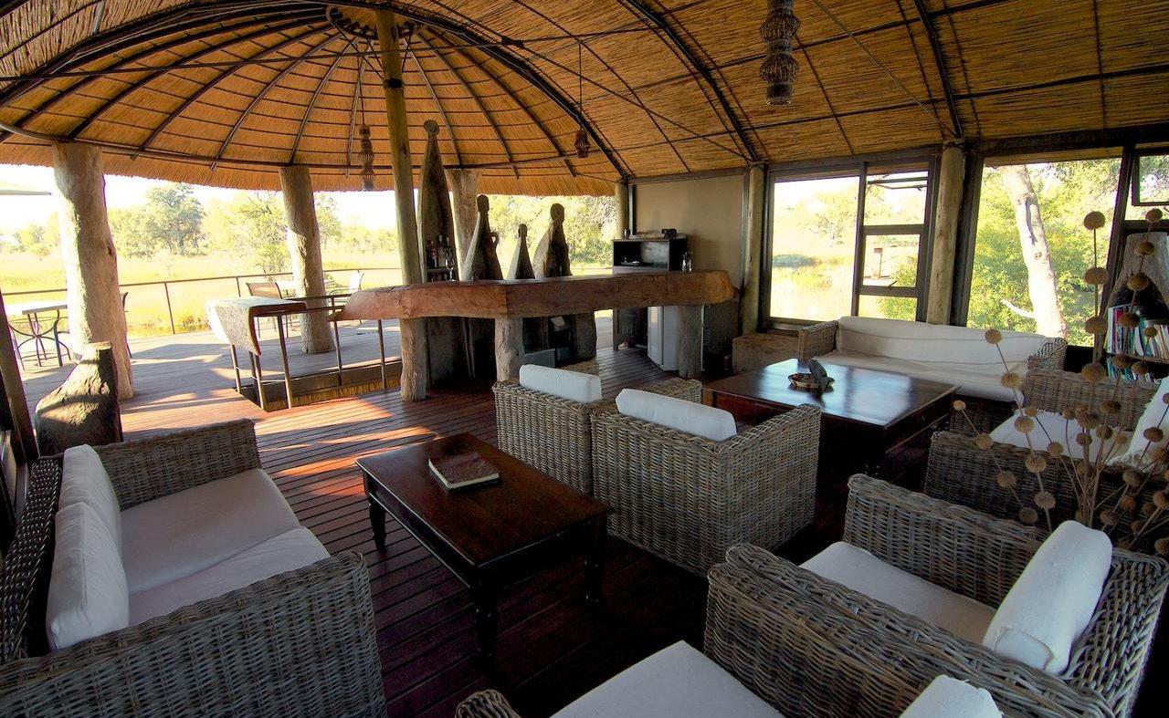 Haupthaus und Lounge von Nkasa Lupala