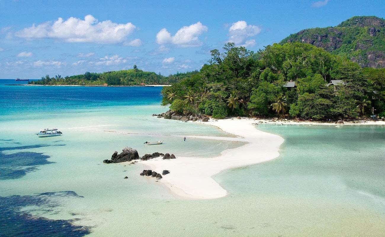 Der Strand von Enchanted auf den Seychellen